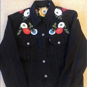Black Levi's ex boyfriend denim trucker jacket